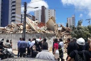 У Бразилії обвалилася семиповерхівка: під завалами поховані щонайменше 15 осіб