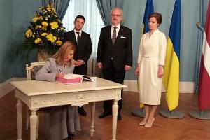 Зеленский встретился с президентом Латвии