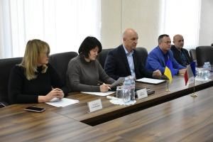 На Донеччині за участю благодійної організації три КПВВ облаштували на 100%