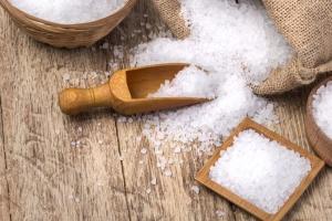 """Українців змалку """"загодовують"""" сіллю"""