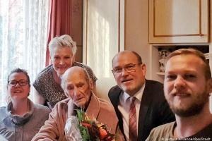 Найстарішому у світі чоловікові виповнилося 114 років