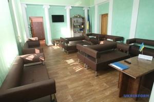 Укрзалізниця відкрила зали для військових на вокзалах Дніпра і Харкова