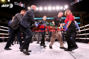 Помер боксер, який отримав важкі травми на рингу в андеркарді бою Усика