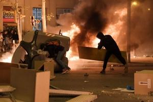 Протести у Каталонії: вже понад 30 затриманих і сотня постраждалих