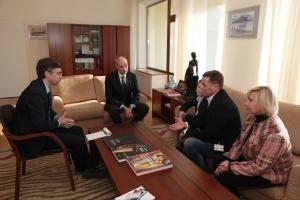 Suschtschenko übergibt Brief an Macron