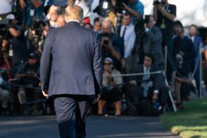 Издевались надо мной: Трампу не понравилось, как СМИ освещали его визит на саммит НАТО