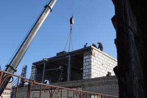 Кличко на даху зафільмував знесення скандальної надбудови на Майдані