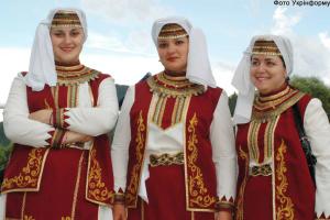 """Грецькі мотиви й виступи лемків: на Прикарпатті влаштують """"Вулик культур"""""""