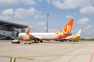 SkyUp призупиняє рейси з Харкова в ОАЕ