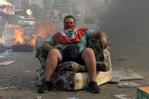 Налог на WhatsApp и FaceTime: в Ливане продолжаются массовые протесты