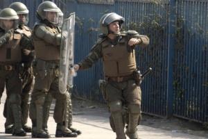 Протести в Чилі переросли в заворушення: 300 осіб арештовано, майже 170 - поранено