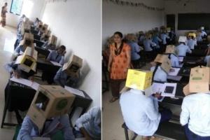 В Индии студентов заставили сдавать экзамен с коробками на голове