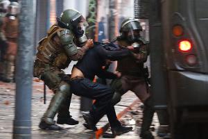 У Чилі тривають протести попри обіцянки нової конституції