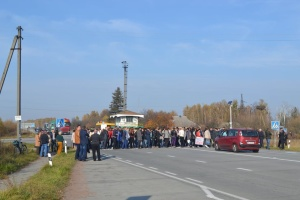 Вчителям, які перекривали на Житомирщині трасу, виплатять зарплату – голова ОДА