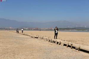У Китаї посуха показала 600-річний міст