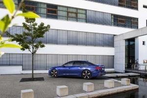 Audi показала новий гібридний седан