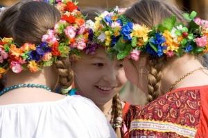 У Пекіні навчали майстерності плетіння українських віночків