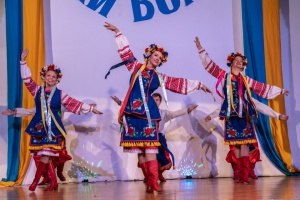 Ансамбль народного танцю «Червона Калина» популяризує українську культуру в Каліфорнії