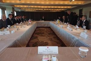 Zelensky se reúne con el presidente de la Liga Parlamentaria de Amistad Japón-Ucrania