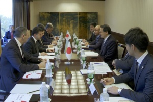 Zelensky invita a la compañía japonesa Marubeni a invertir en Ucrania
