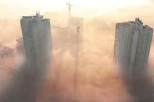 Київ другий день поспіль у ТОП-20 мегаполісів із найбруднішим повітрям