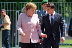 Zelensky, Merkel discuss Paris N4 agreements and summit in Berlin
