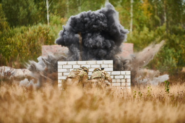W Donbasie okupanci strzelają z zakazanych moździerzy, dwóch obrońców zginęło