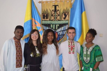 Quality of education of foreign students influence image of Ukraine – PM