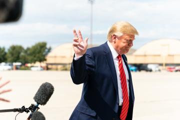 Trump verspricht, Stenogramm des Gesprächs mit Selenskyj zu veröffentlichen