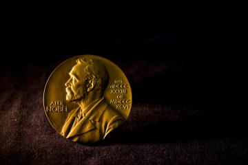 """""""Nobel"""" w ekonomii został przyznany walczącym z ubóstwem"""