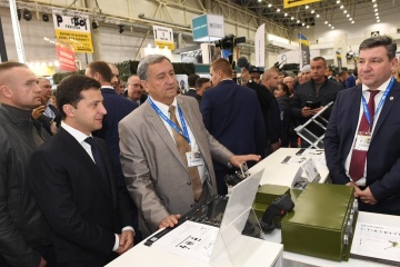 President visits international exhibition Arms and Security-2019 in Kyiv