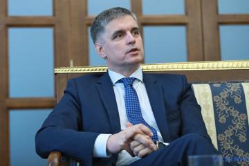 Außenminister Prystajko lädt OSZE-Vorsitzender Lajcak in Stanyzja Luhanska ein