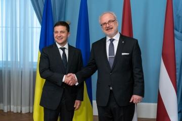 Zelensky se reúne con el presidente de Letonia