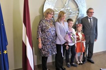 Olena Zelenska se reúne con representantes de organizaciones públicas de Letonia
