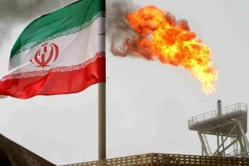 В Иране вспыхнул пожар на крупнейшем нефтезаводе