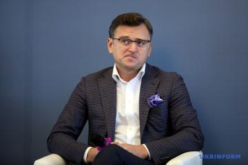 Kuleba habla sobre el enfoque en las relaciones Ucrania-OTAN