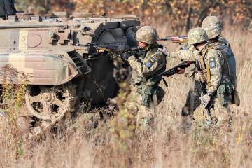 W Donbasie okupanci strzelali pod Zołotym poza odcinkiem wycofania