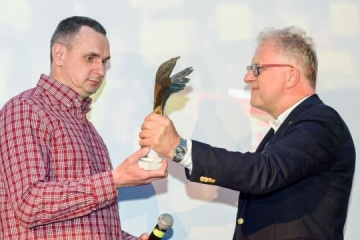 Sentsov receives Polish Film Academy award for courage and persistence