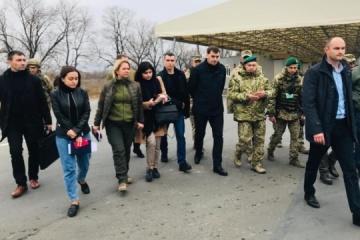 PM Honcharuk, minister Koliada visit entry-exit checkpoint in Novotroitske