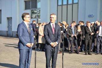 W stosunkach między Ukrainą i NATO istnieją trzy formaty współpracy - Stoltenberg