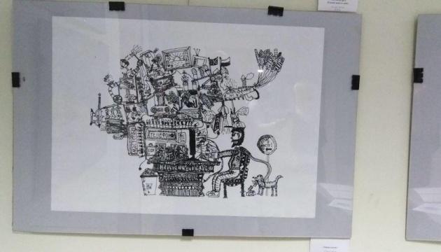 У Харкові восьмирічний художник здивував унікальними мініатюрами