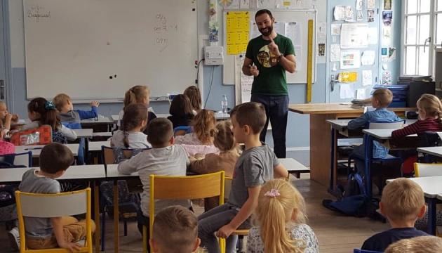 Письменник Павло Матюша презентував дитячу книгу «Вієчка» у Парижі