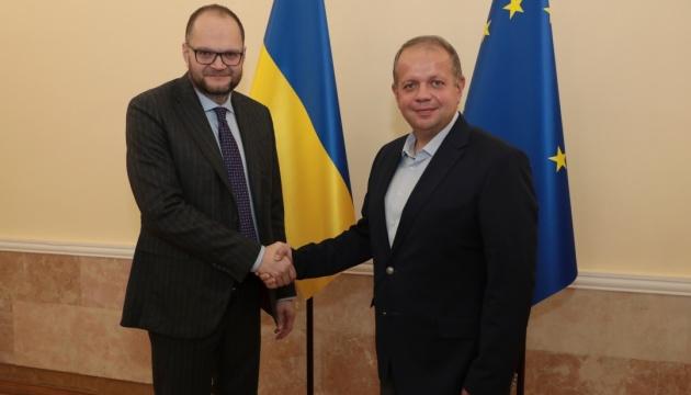 Бородянский обсудил сотрудничество с министром культуры Беларуси