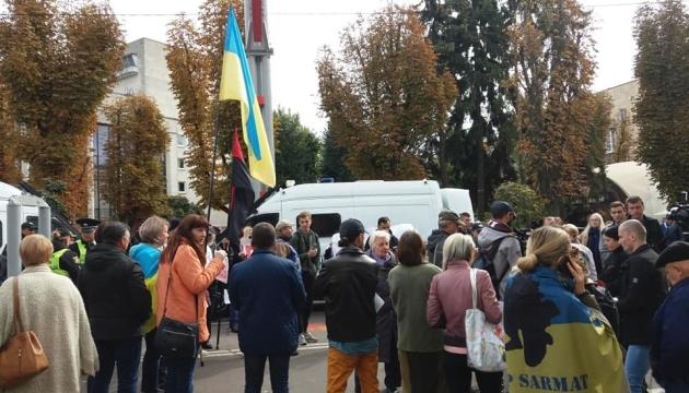 У Житомирі перед візитом Зеленського і Лукашенка влаштували два пікети