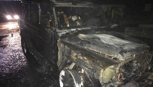 На Ривненщине у депутата облсовета сожгли элитное авто