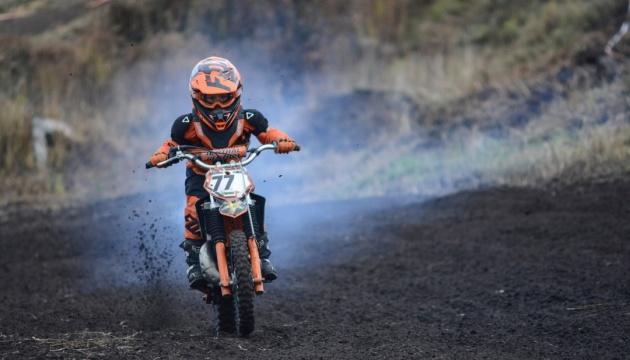 Кубок з мотокросу поблизу Житомира зібрав майже сотню учасників