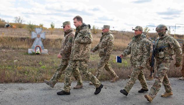Розведення військ на Донбасі: Загороднюк і Хомчак відвідали Золоте