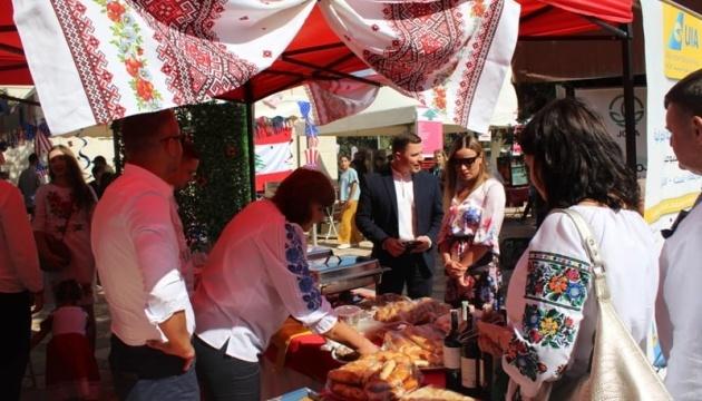 Ukraine takes part in charity diplomatic bazaar in Jordan