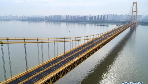 В Китае открылся самый длинный в мире двухэтажный автомобильный мост