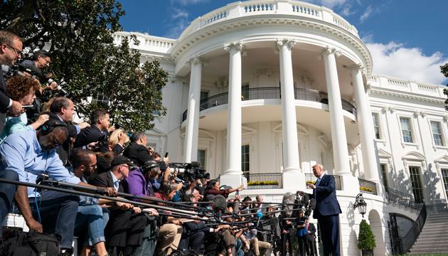 У Білому домі проведуть внутрішні перевірки в пошуках